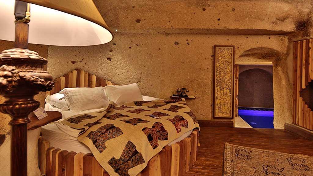 Satrapia Cave Otel Balayı Odası